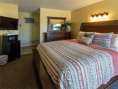 King Room at Mesa Verde Motel